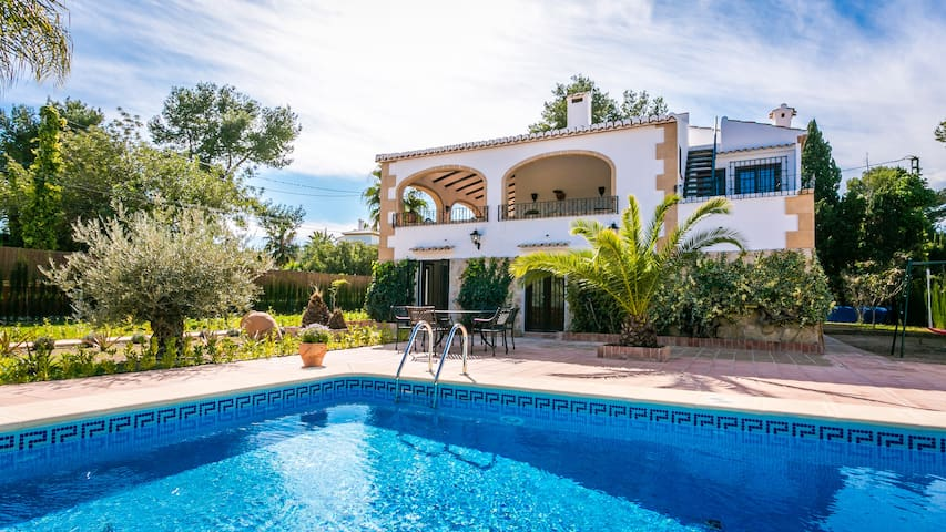 Very large private villa with pool - Jávea - Ev