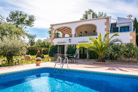 Very large private villa with pool - Javea