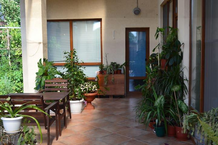 Уютный чистый дом в районе Центрального пляжа