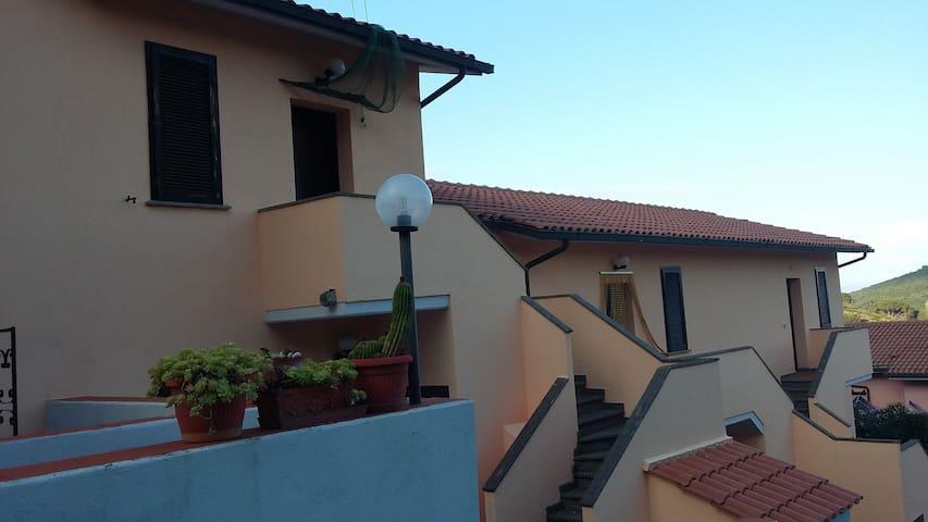 Monolocale a 5 minuti dal mare - Rio Nell'elba - Apartment