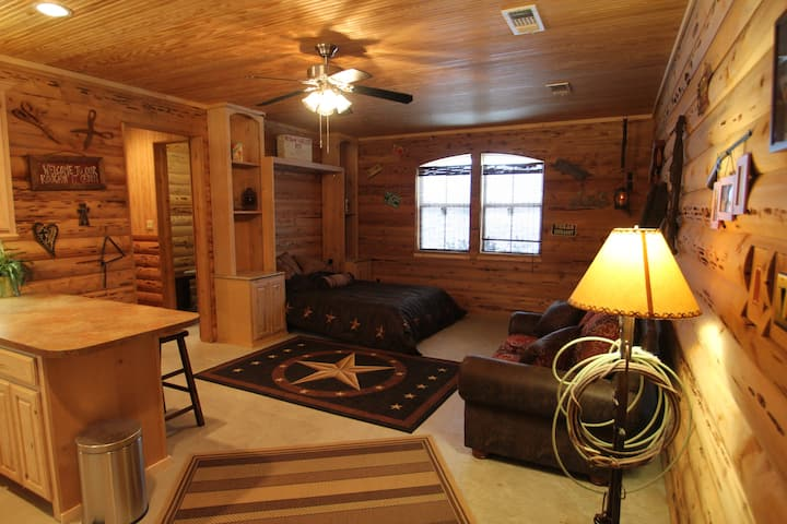 Private Cozy Cabin or business stay