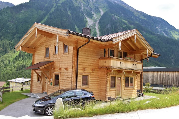 Beautiful Chalet with Sauna near Ski Area in Krimml