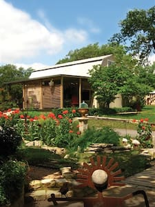 Star House - Ratings Stars Galore With Stargazing! - Dripping Springs