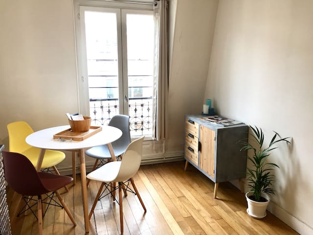 Bright apartment in the 12th district of Paris