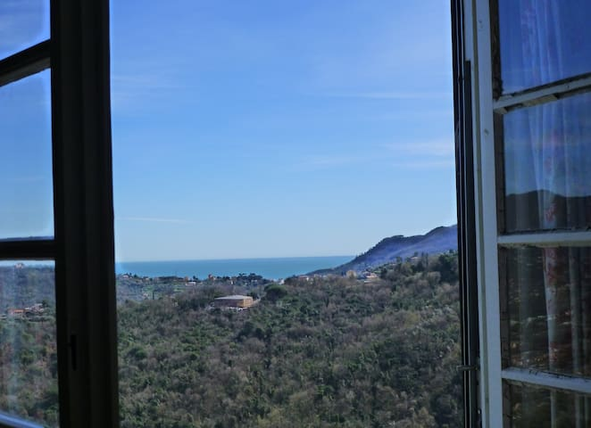 Ca' dei Pini, house and garden with gorgeous view