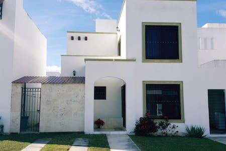 Casa en cerrada, privada y segura, Gran Santa Fe