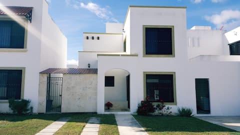 Kapalı ev, özel ve güvenli, Gran Santa Fe