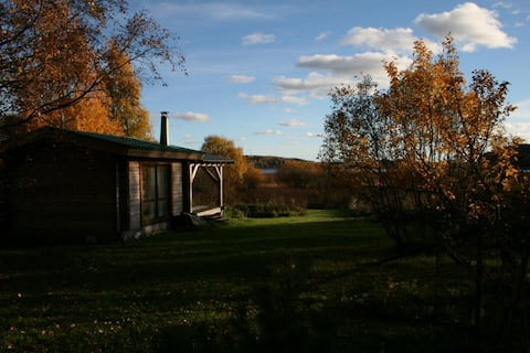 Cottage experience by the lake with service