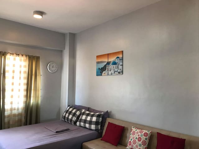 Condo Unit in downtown Cebu City +WIFI cable TV