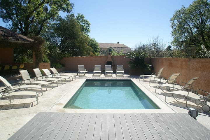Superb villa in Corsica, 300m from the beach, pool.