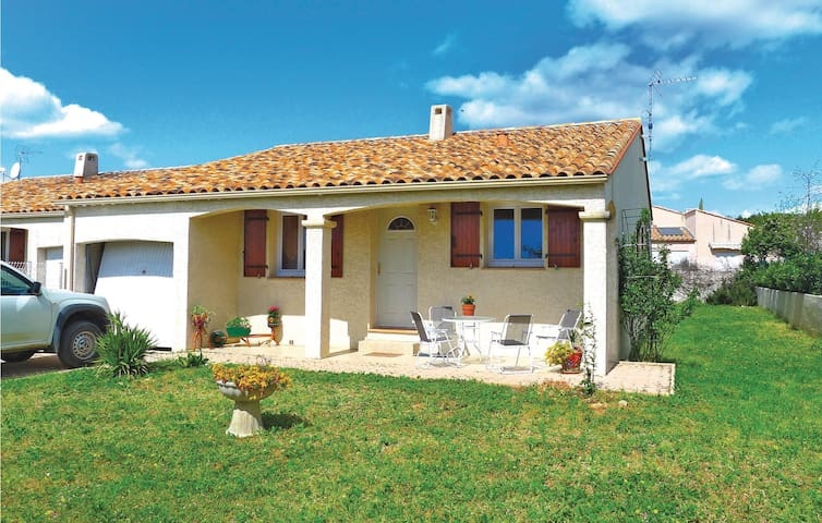 Semi-Detached with 3 bedrooms on 90 m² in Pignan