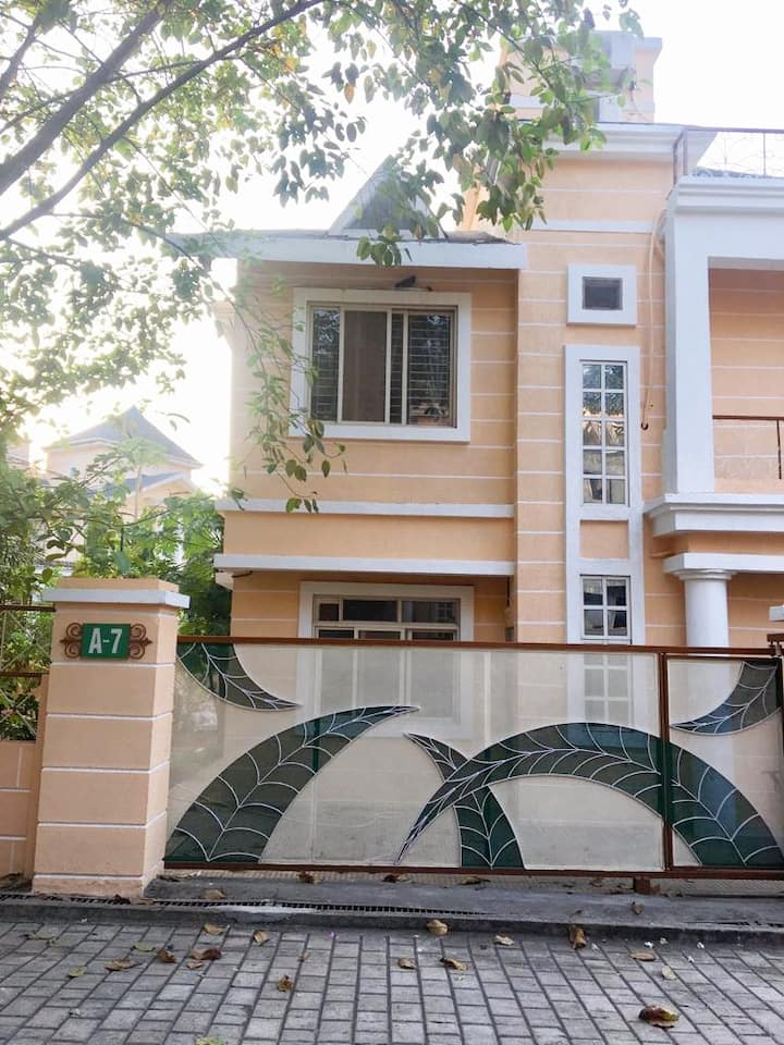 Bungalow: Holiday/Vacation Home in Thane(Mumbai)