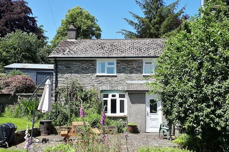 Gwardolau Cottage Wye Valley Retreat.