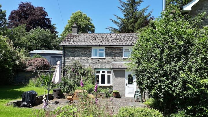 Gwardolau Cottage Wye Valley Retreat.