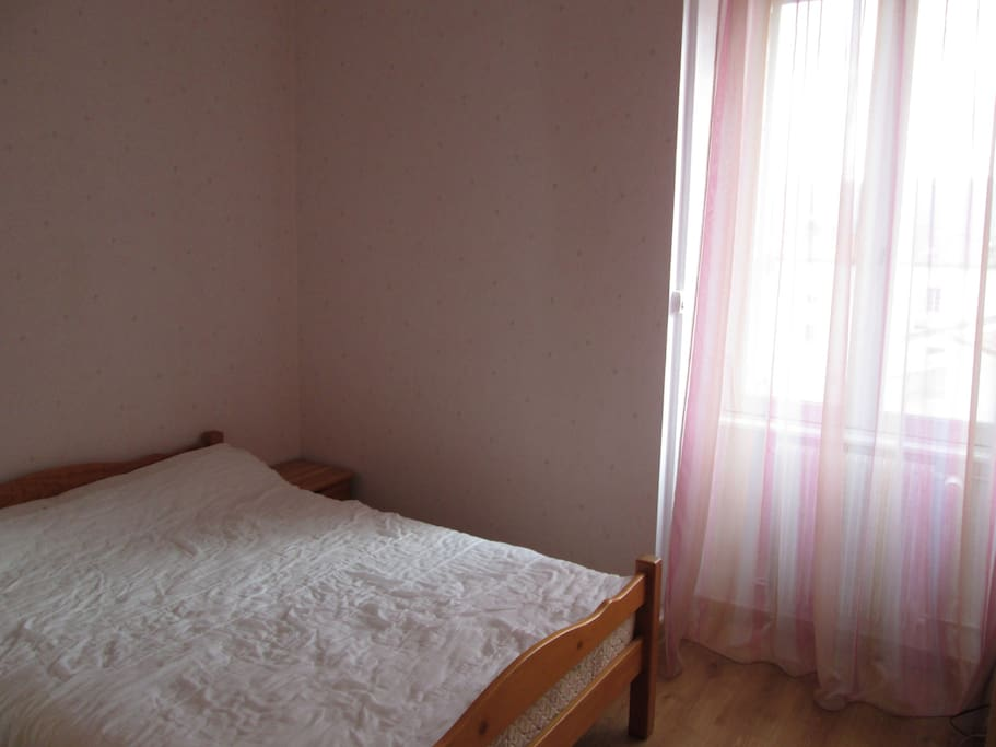 T3 meuble centre ville millau 6 pers flats for rent in for Garde meuble midi pyrenees