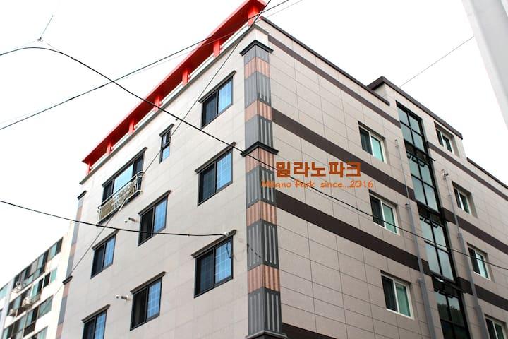 통영대교 인근에 위치한 밀라노파크 (투룸) - Misu-dong, Tongyeong-si - Rumah