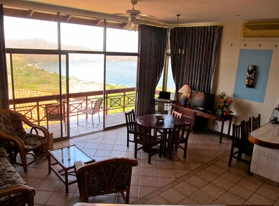 Eating, dining and full kitchen with a view out over the bay....