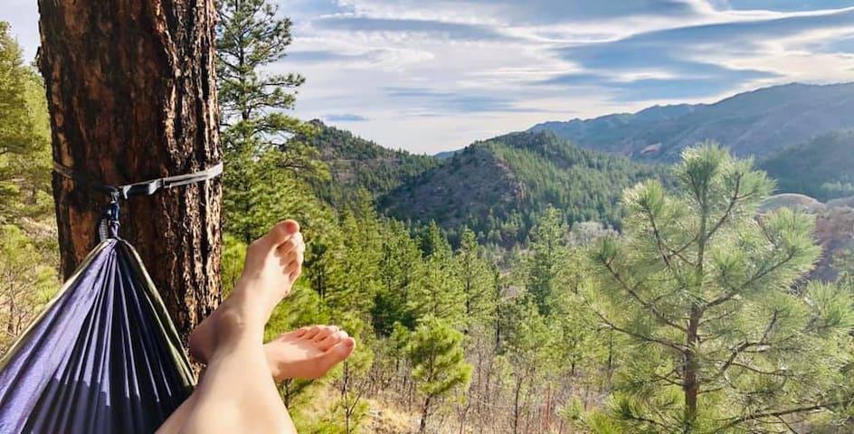 Mountain-Views  Basecamp - Prospector's Respite