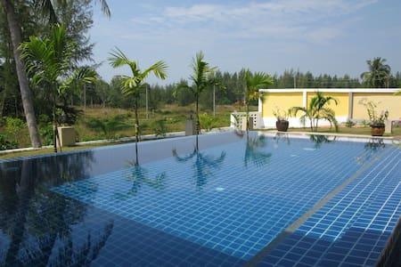 Green Garden Pool Villa Khao Lak - BangMuang - วิลล่า