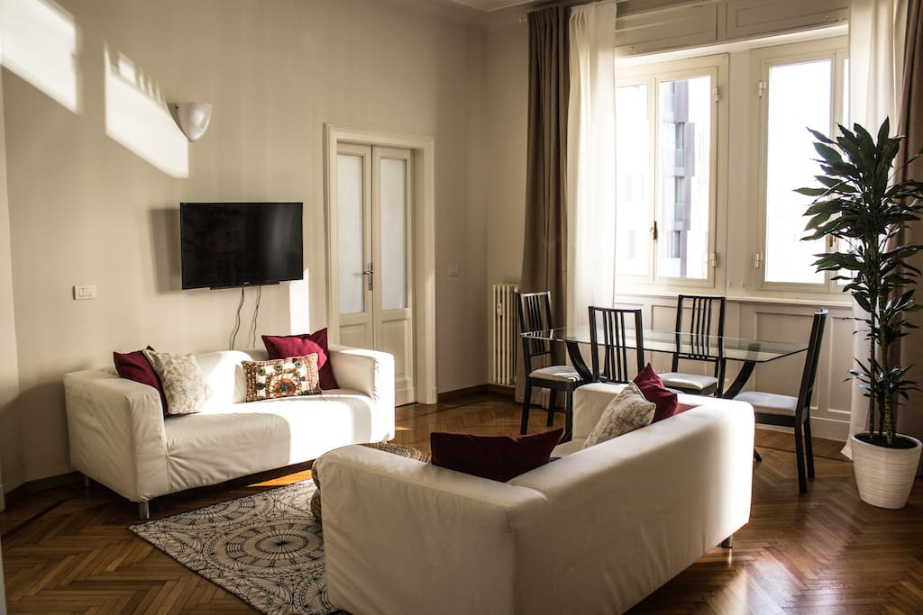 Gae aulenti apt citycentreelegance apartments for rent for Cristina woods apartments