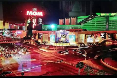 Signature at MGM Balcony Suite 5153 NO RESORT FEES