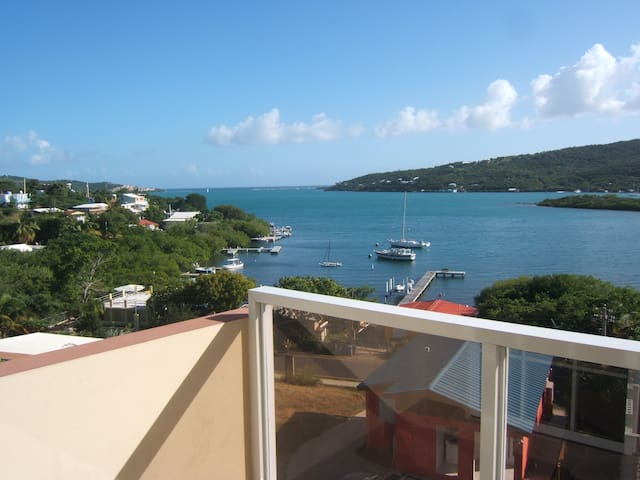 Hillbay View 2 guest villa with spectacular view