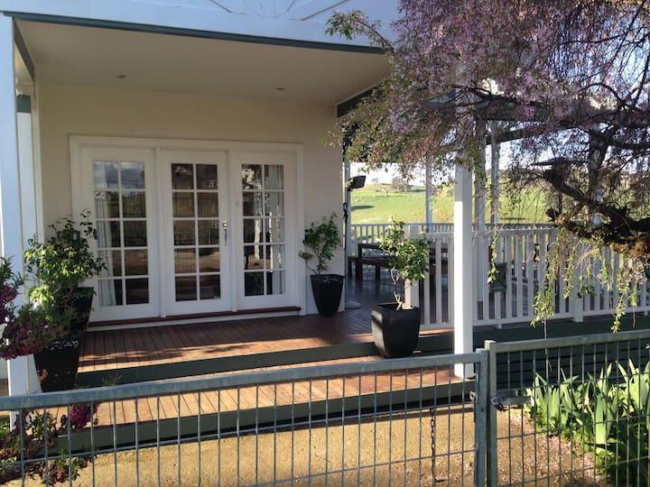 Fremantle Station Historical Farm Stay