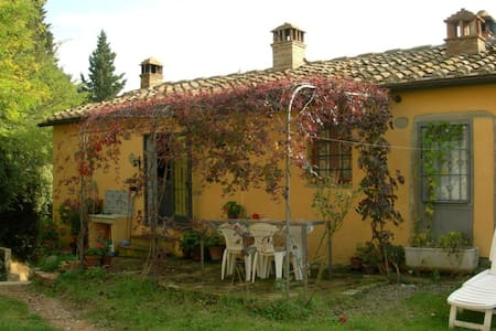 CHIANTI - Thypical home with view - FIANO  (Certaldo) - Huis