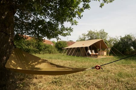 A Fully Equiped Luxury Safari Tent  - Gournay - Tent