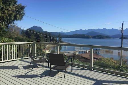 ViewPoint Retreat - Mountain & Ocean Views + Beach