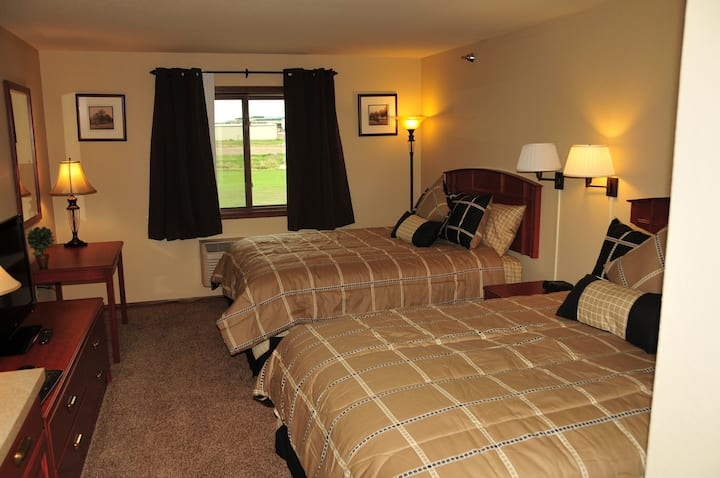 Spacious & Quiet Room Available #2