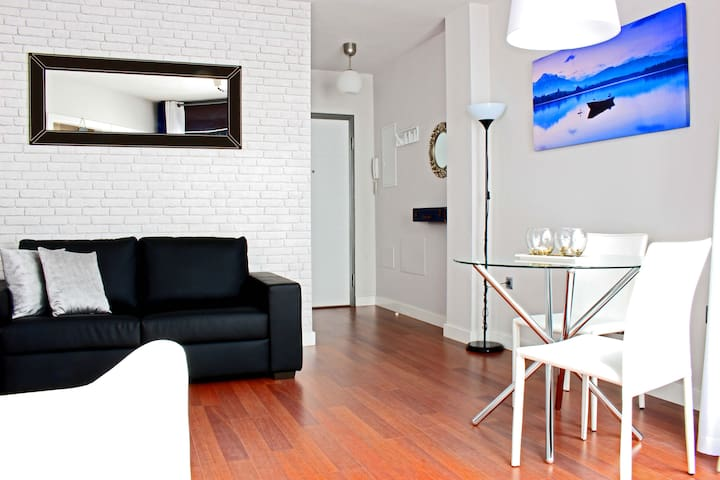 Nice cozy & quiet apartment next downtown