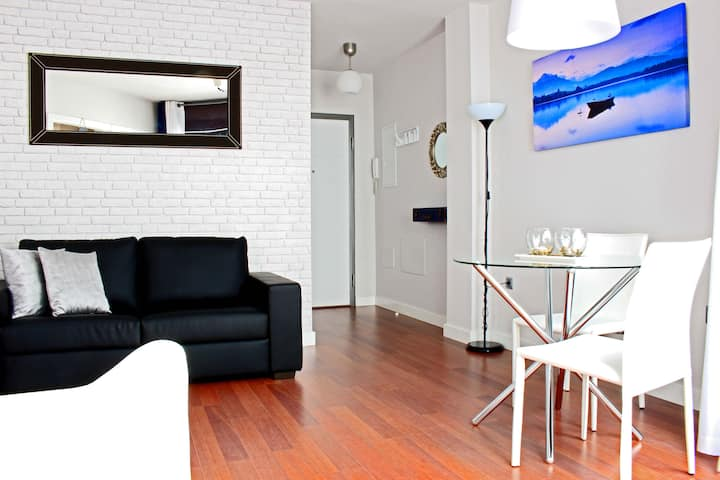 Nice cozy & quiet apartment next downtown