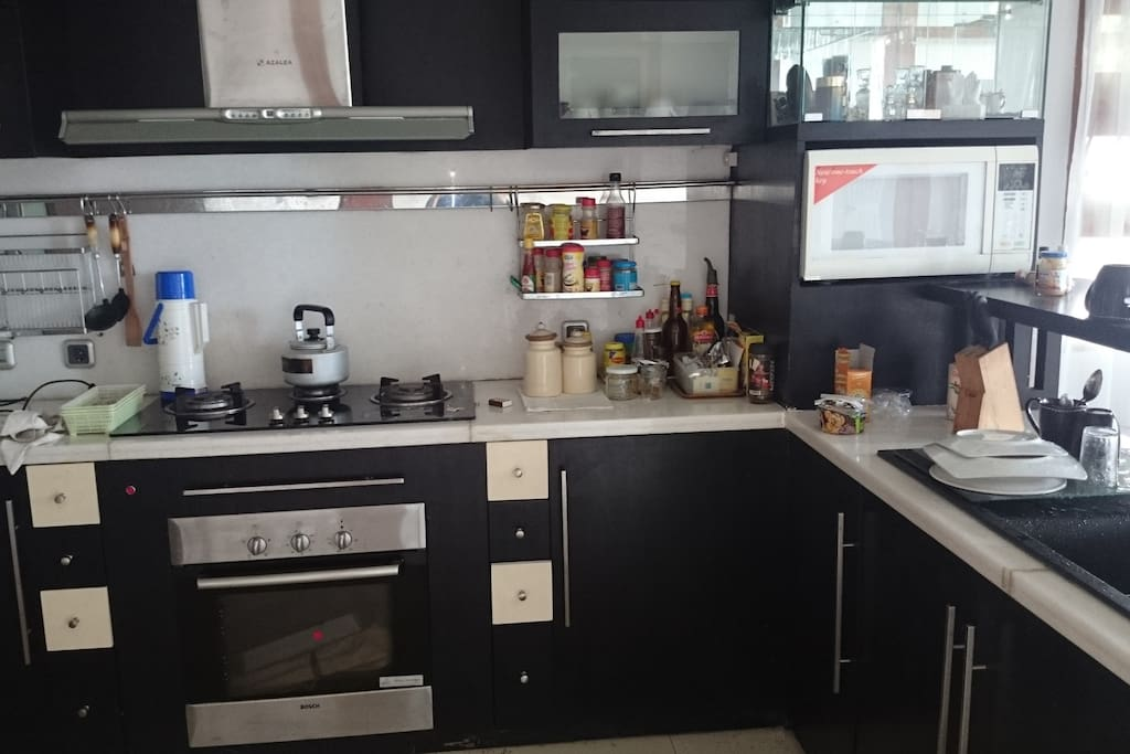 We provide all kitchen appliances ready to be used by the tenants. Stove, Oven, Microwave, and Fridge.