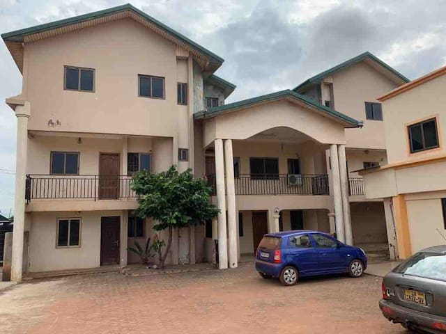 DIAMOND HOUSE Ampomah, Oyarifa Adenta-Municipality
