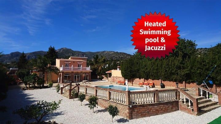 Big Villa+heated pool+sea view+hot tub+big garden