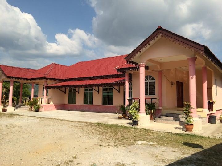 Malinja Homestay House 2A