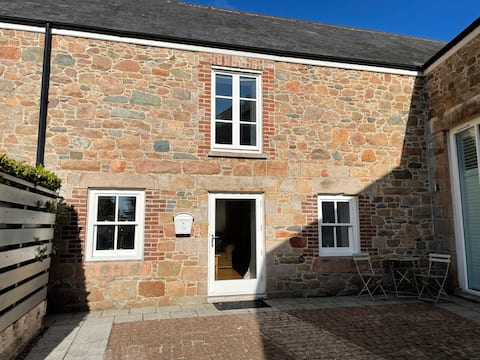 Beautifully presented 1 bed cottage in Grouville