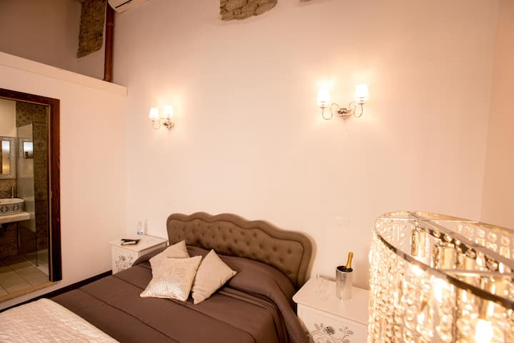 LUXURY ROOM IN STIMIGLIANO