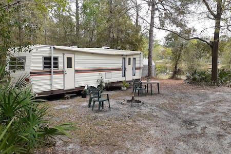 Cozy Camper- Crystal River, Florida