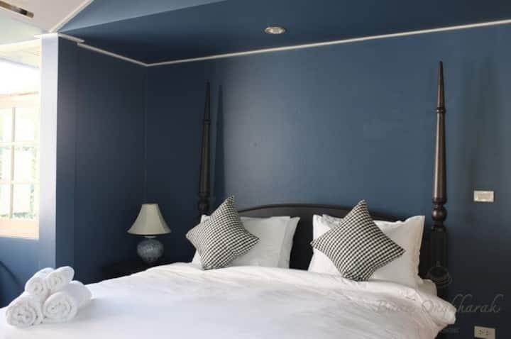Master room in a bed & breakfast - Dusit area