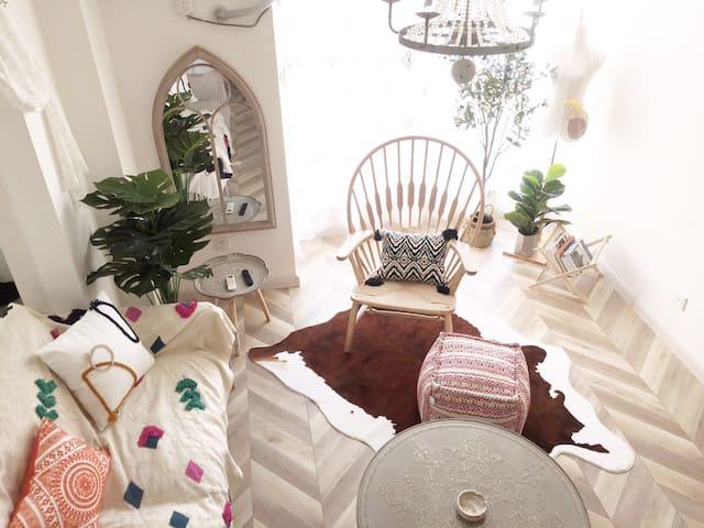 洛城民宿之「物•念」西工区王城公园旁大落地窗巨幕投影复式loft 双人间大床房