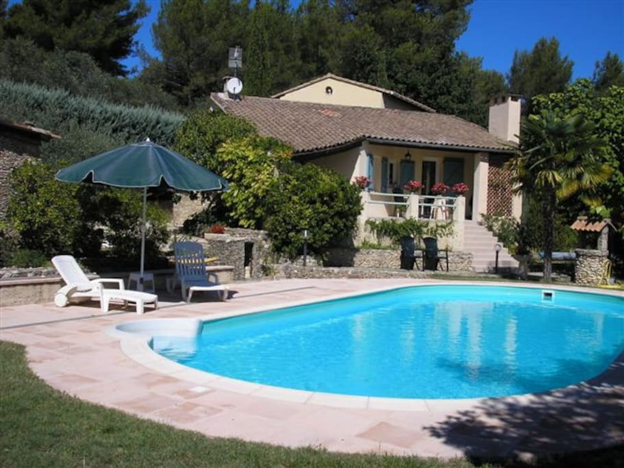 Chambre d 39 h te au coeur du luberon bed breakfasts zur for Maison hote luberon
