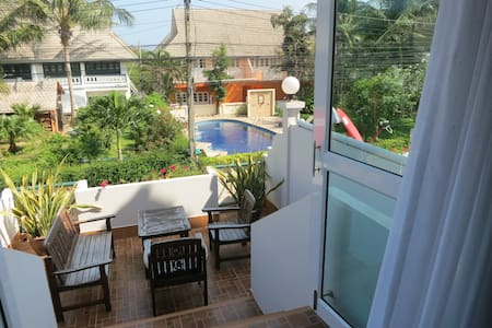House 10, walking distance to beach - Hua Hin