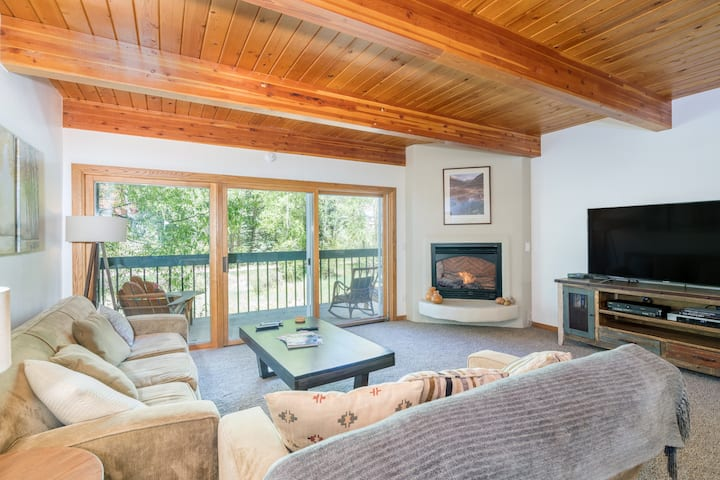 Enjoy a Private Deck with Tranquil Views in an Ideally Located, Well-Appointed Condo with a Shared Hot Tub