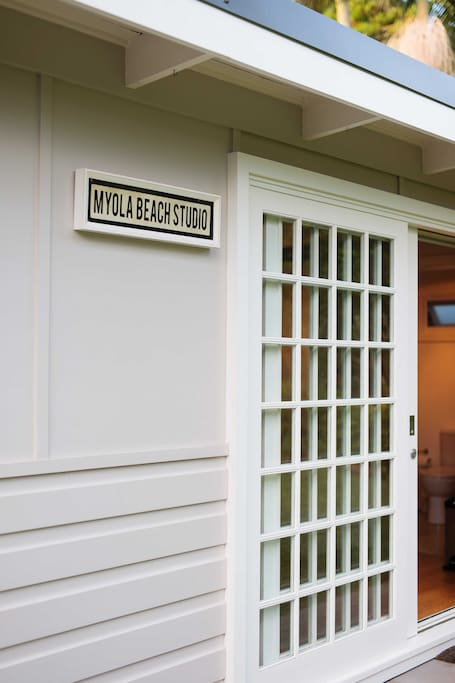Welcome to Myola Beach Cottage