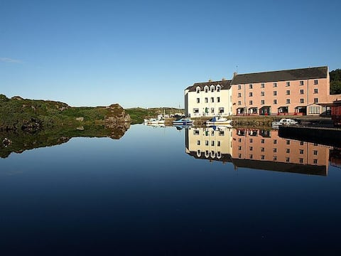 The Clady Harbour View Triple room