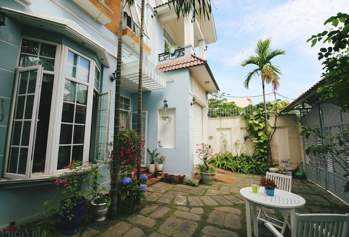 """Le Soleil"" B&B near the beach, Inhale inspiration - Da Nang - House"