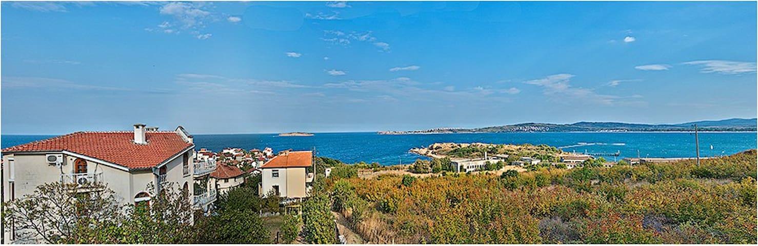 Entire villa with Amazing Views - Sozopol - Huis