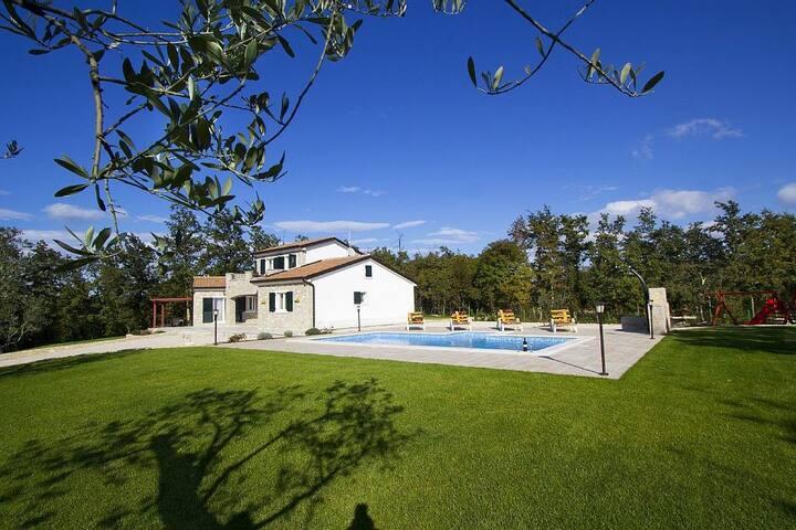 Villa Istria - quiet and with pool - Gračišće - Villa